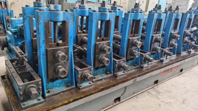 二手焊管生产线剪切对焊工作过程