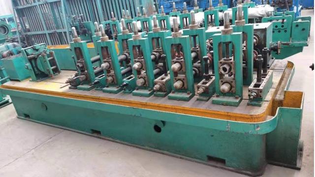 二手高频焊管机组剪切对焊前工作过程