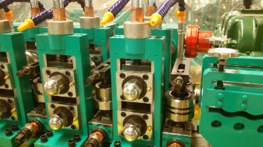 调整二手直接成方焊管机设备的方矩管凸面